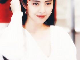 王祖贤和林青霞古装那么美,原来是因为同款的折角发际线