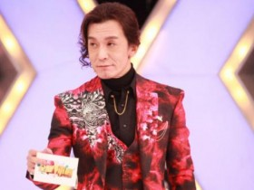 主持人李咏患癌去世,妻子哈文发文确认,曾被质疑全家移民美国