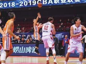 37岁张庆鹏谈38岁刘炜万分,我们年轻球员的榜样