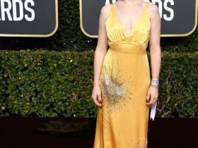 金球奖最佳女配角的Claire Foy代表奢侈品Miu Miu出席活动