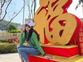 张柏芝微博晒照片拜年,网友称她产后3月瘦成闪电