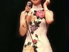 有一种旗袍叫邓丽君,来自灵魂深处的温婉气质,惊艳时光