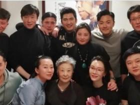 陈数露面中戏老同学聚会,细数国内最适合旗袍加身的美女演员