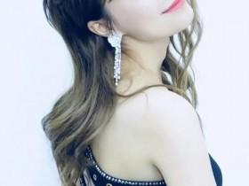 吴昕新剧播出造型时尚多变,演技上了热搜备受争议