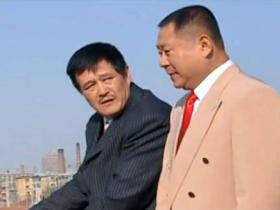 范伟未参加刘老根3开机仪式,赵本山穿着时尚登台发言
