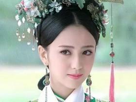 佟丽娅还是选裙子眼光好,穿豆沙粉纱裙仙气十足,彰显自信美