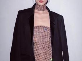 刘雯真是高级的代名词,穿裸色水钻裙搭配廓形西装又美又A