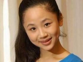 杨紫母亲年轻时的照片如此漂亮,怪不得杨紫不承认自己整容