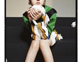 张子枫最新杂志写真曝光,怀抱白兔造型大胆显反差气场
