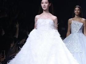 陈都灵穿婚纱走秀 上海时装周SIFS 2020春夏opening show
