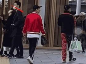王思聪逛街不戴口罩 日本街头闲情逸致