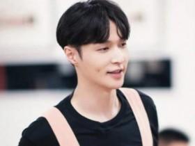 张艺兴开娱乐公司 宣布招聘练习生