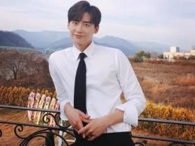 李钟硕将退伍 特别出演《魔女2》