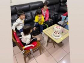 江宏杰更新动态:为福原爱妈妈庆生