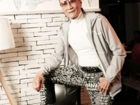 谢贤84岁真实状态 看着十分慈祥