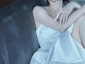 张小斐穿抹胸白裙