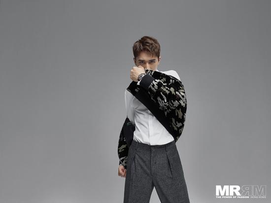 [许魏洲登香港杂志封面展现阳光少年