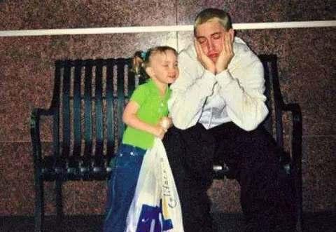 """""""姆爷""""Eminem女儿近照曝光,22岁的她天使面孔魔鬼身材"""