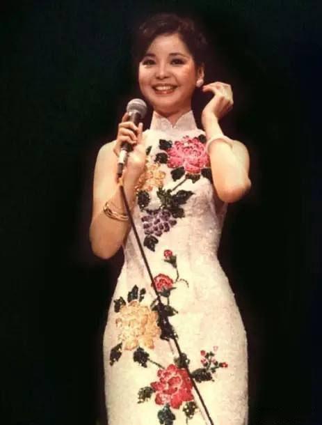 有一种旗袍叫邓丽君