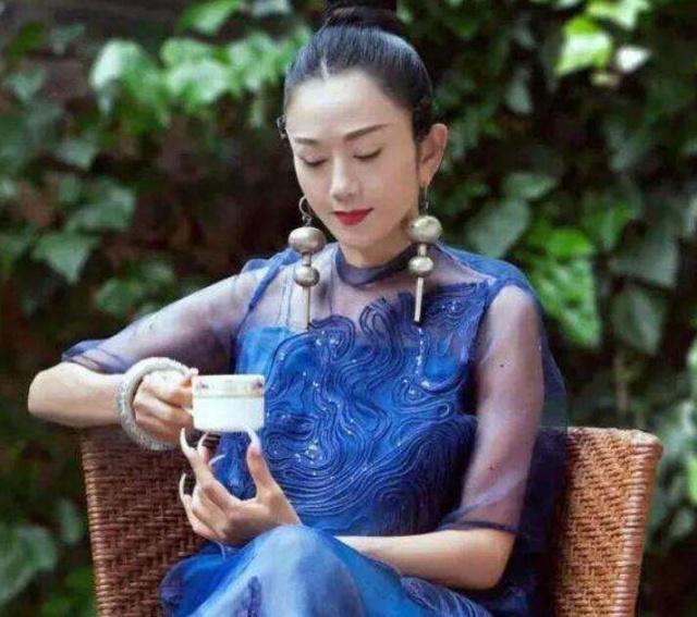 [孔雀之灵杨丽萍,她的一生成就了多了经典艺术