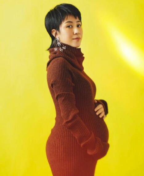 马丽孕肚写真 全身都散发着母爱的光辉