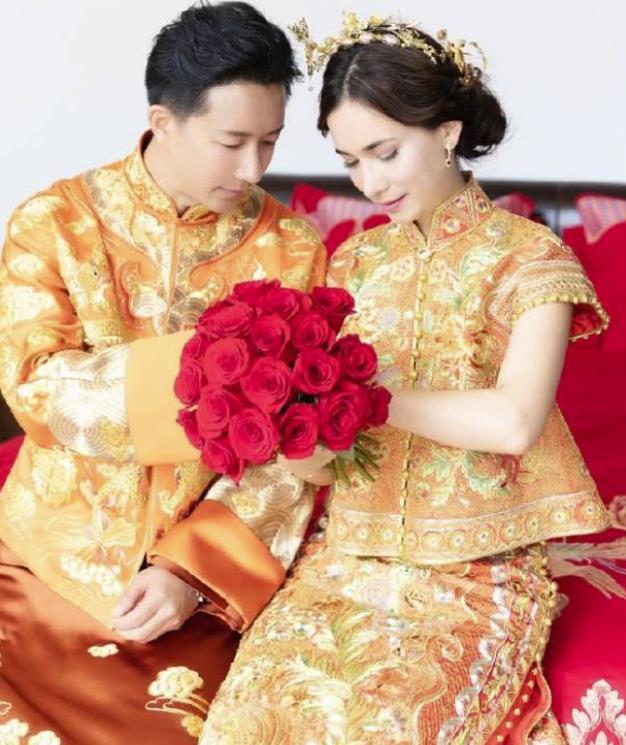 [韩庚夫妻婚后首封 夫妻俩手上婚戒抢镜十足