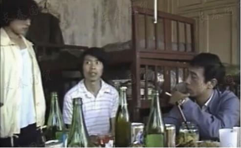 冯小刚30岁旧照 曾饰演马仔