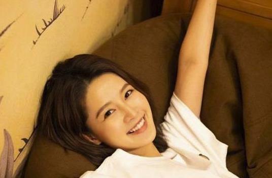 李沁撤下单身声明 不少网友认为是在默认李沁的恋情