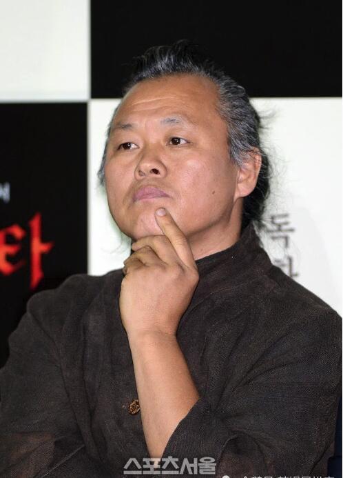 韩国导演金基德因新冠并发症去世