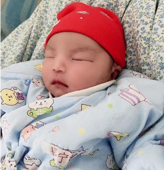 李雨桐宣布当妈 一家三口非常幸福