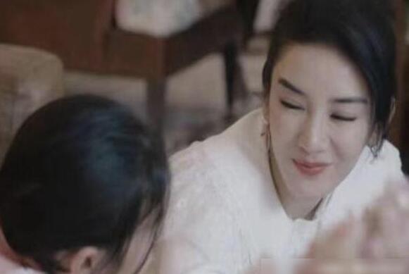 黄奕女儿被诱拍视频