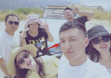 刘亦菲恋情疑曝光 男方为她合作很久的摄影师