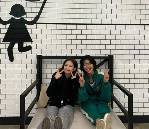 《鱿鱼游戏》郑浩妍赞JENNIE像天使