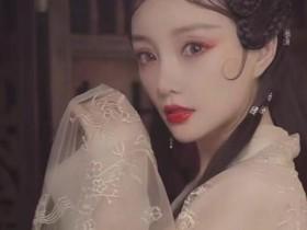 李小璐久违扮古装 短视频平台更新了一则动态