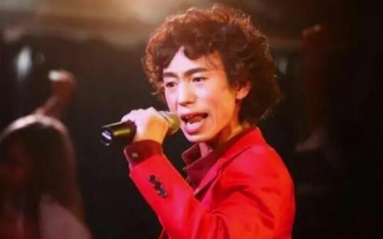 歌手庞麦郎精神分裂 被强制送进精神病院