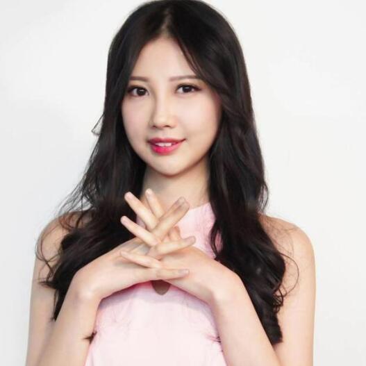 31岁香港女星去世 李明蔚(Sarena)惊传癌逝
